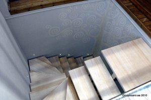 Attico 2010 - Scala in acciaio lucidato e legno con faretti segnapasso